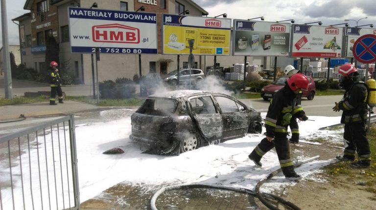 Pożar samochodu Blizne Łaszczyńskiego ul. Warszawska