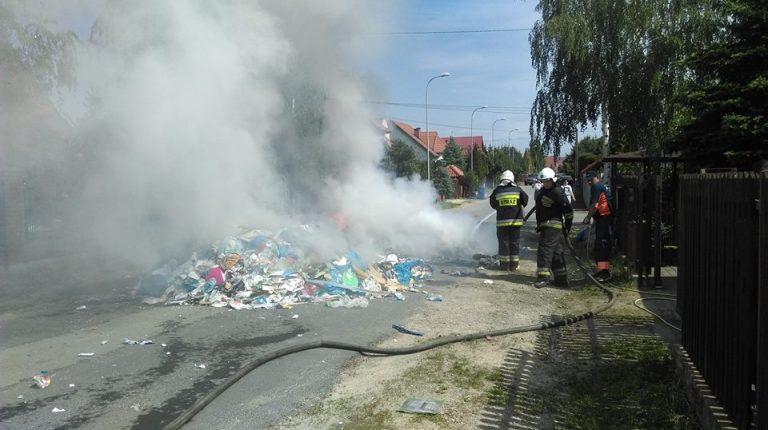 Pożar śmieci w śmieciarce Kwirynów