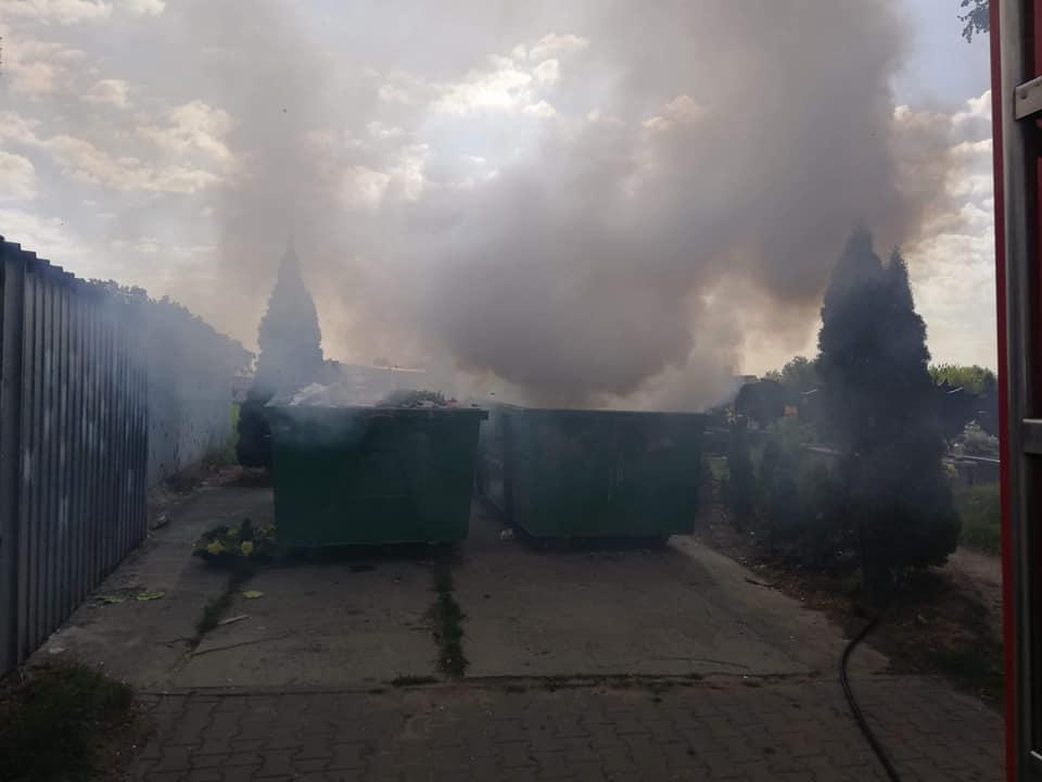 38. 22.05.2018 – Pożar śmietnika na cmentarzu parafialnym w Starych Babicach