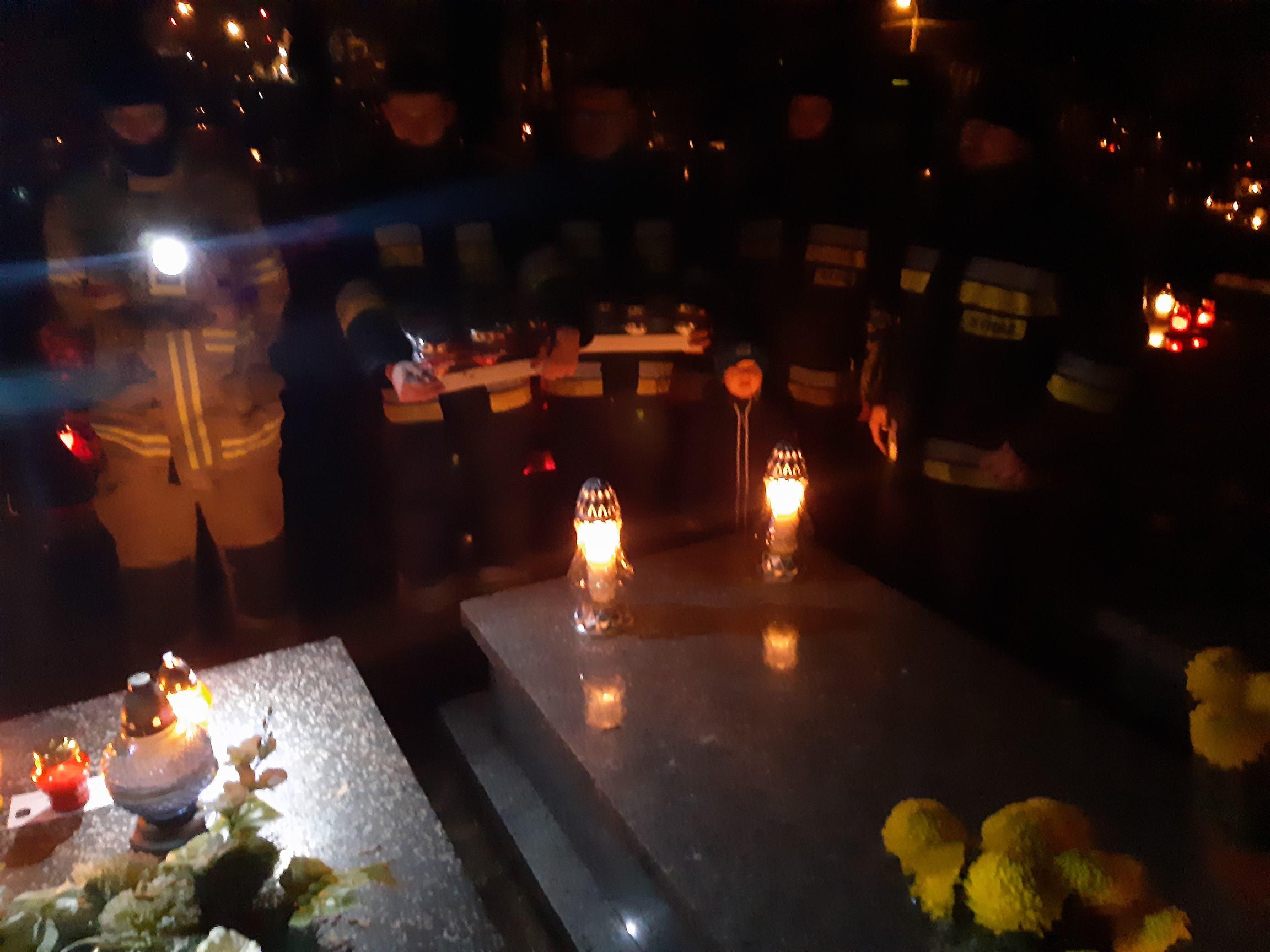 Odwiedziliśmy groby strażaków na babickim cmentarzu