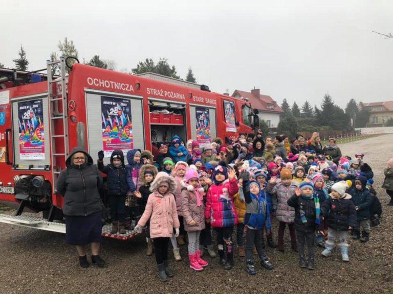 Wizyta Babickich Strażaków w przedszkolu w Starych Babicach na zakończenie zbiórki 28.Finału WOŚP